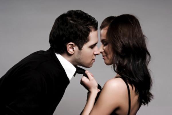 Comment-saavoir-detecter-les-signes-dinteret-d-une-femme-coaching-seduction-paris-efficace